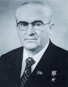 Yuri_Andropov_-_Soviet_Life,_August_1983