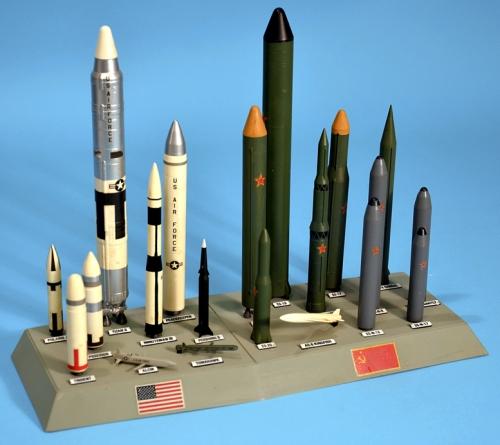 monogram_usa-ussr-missiles03-aa